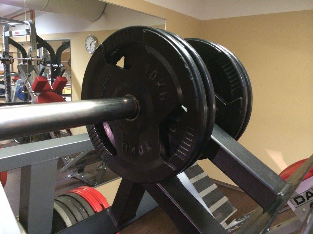 20+20kg tuntuu tässä vaiheessa ihan yhtä rankalta kuin 60+60kg