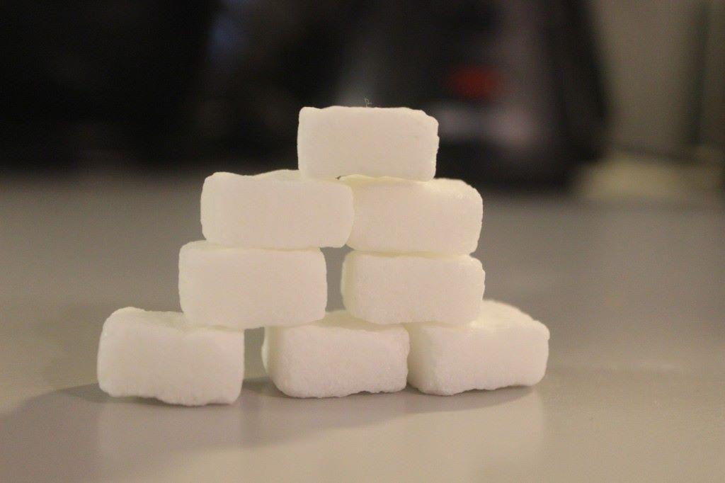 Sama sokerimäärä paloina