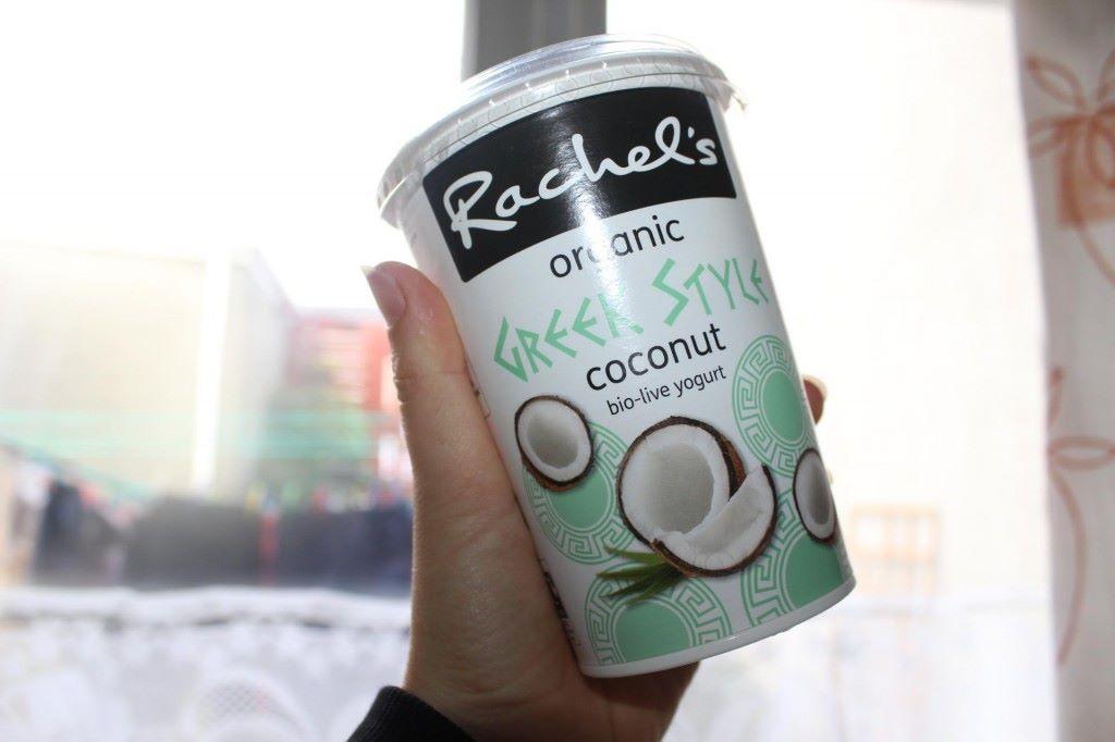 Uusi jogurttirakkaus rahkan sekaan