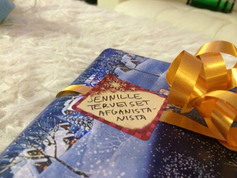 Joulun yllättävin paketti (sisälsi ihanan mustan kaulaliinan)