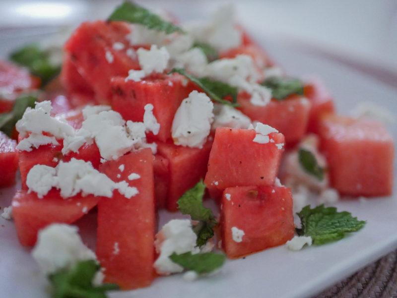 vesimelonisalaatti